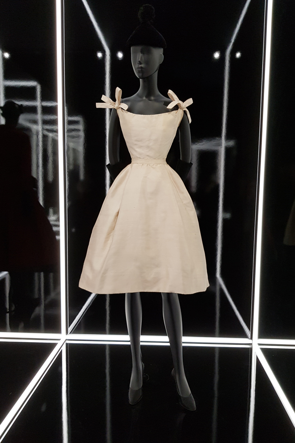 Dior... A dress so simply, utterly perfect.
